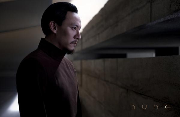 """张震《沙丘》角色预告释出""""摸头""""细节暗藏东方神秘色彩"""
