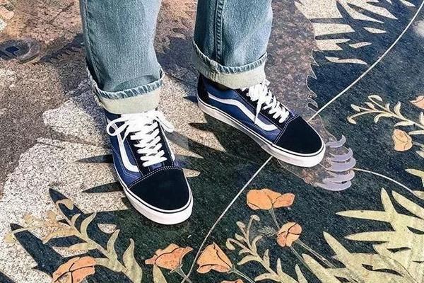 五颜六色的VANS滑板鞋,越经典越好穿
