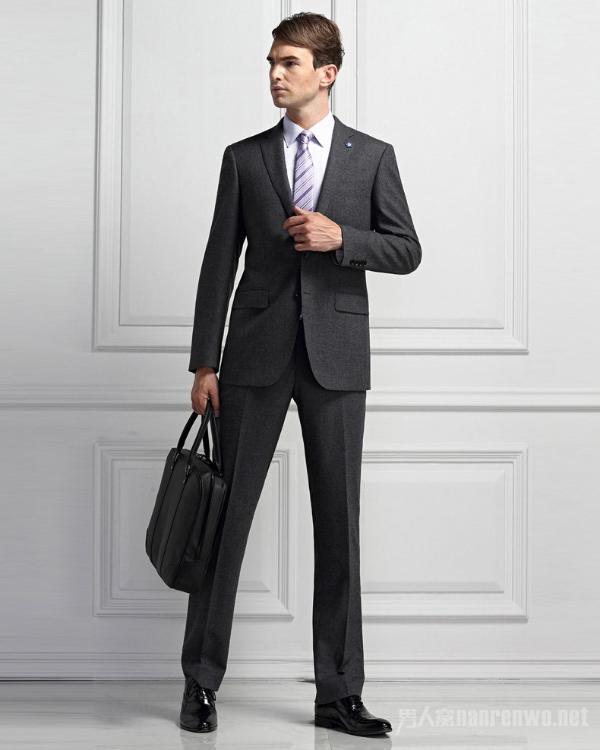 面试时的男装搭配技巧 得体的穿着让你从容不迫