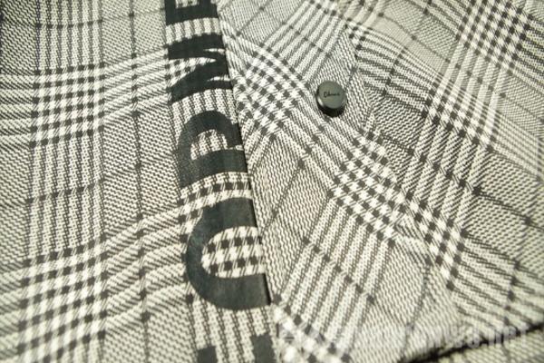 格子夹克的细节处理 细微之处足以见得用心