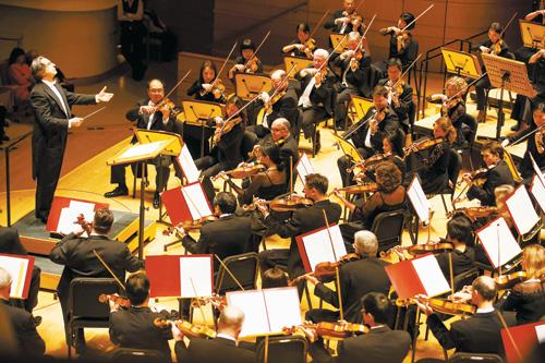 穆蒂携芝加哥交响乐团 演绎机床般音乐震撼