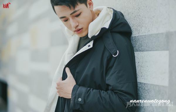 男士冬季短款羽绒服时尚搭配 冬天也要时尚帅气