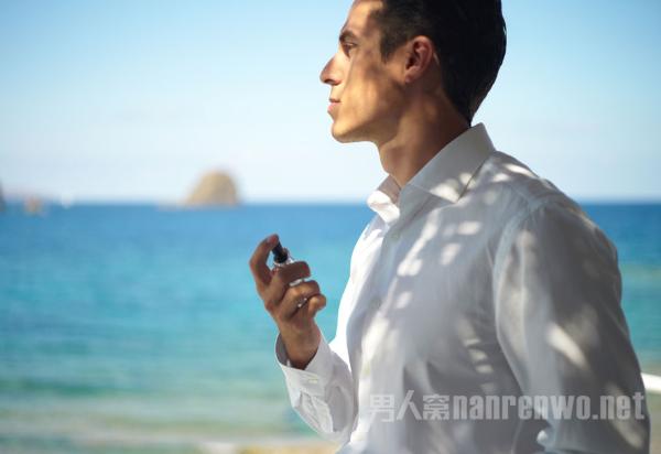 你真的会使用香水吗?先看看这份法国男士香水使用指南 chunji.cn