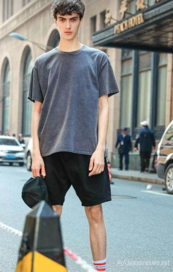 男生最潮流的时尚搭配 营造出最炫彩的个人形象