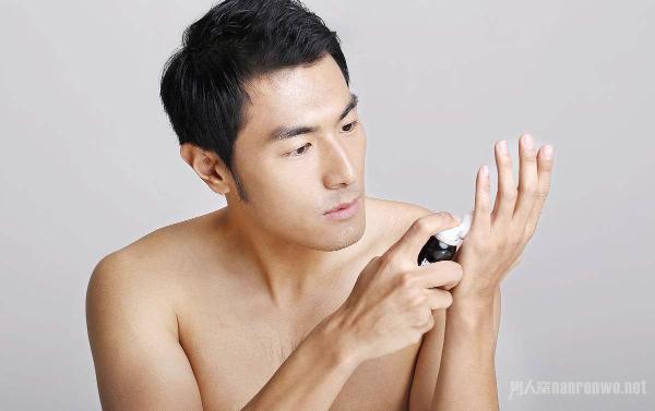 男士如何处理毛孔堵塞问题 清洁毛孔还你一张干净的脸