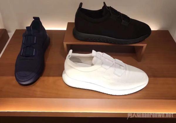 夏季男士休闲鞋的选择 帮你打造最具时尚气息的世界
