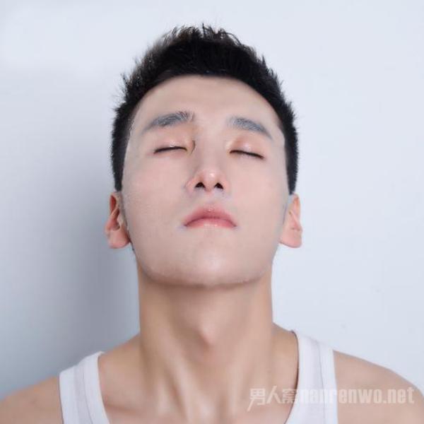 面膜后要不要洗脸 很多人都做错了 难怪皮肤差