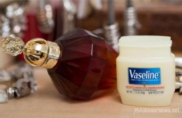 香水持久小妙招 这3个小妙招学起来 香水持久跟着你