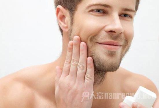 <b>男士要用什么护肤品?男性朋友知道么?</b>