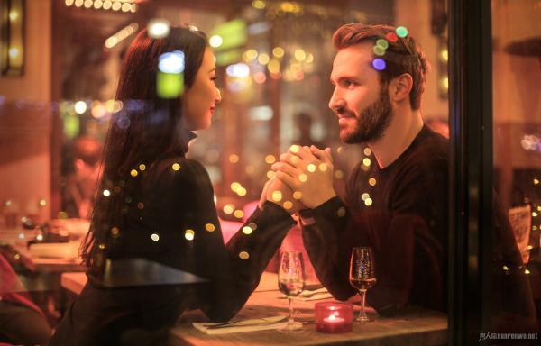 追女孩子的方法 约会时怎样省钱 恋爱技巧必知