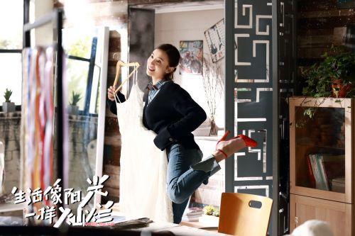 """《生活像阳光一样灿烂》热播,宋佳刘芸上演""""口嫌体正直""""式友谊"""