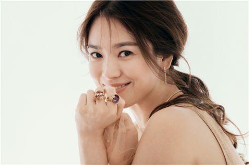 宋慧乔最新品牌画报公开,优雅高贵气质自带女神光环