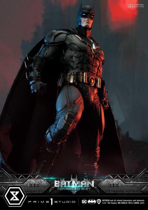 《蝙蝠侠:终局》漫画蝙蝠侠升级版战衣与芬里尔装甲雕像发布