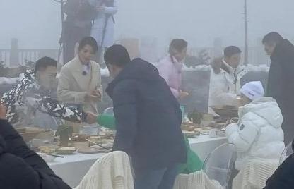《妻子的浪漫旅行5》路透社照片曝光阿曼达和她的丈夫打了起来 只有刘涛一个人