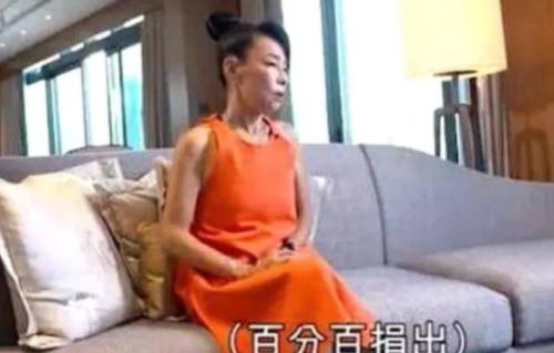 台媒暴露周润发裸捐56亿身家内情,亲妹妹称赞他的决定是光宗耀祖