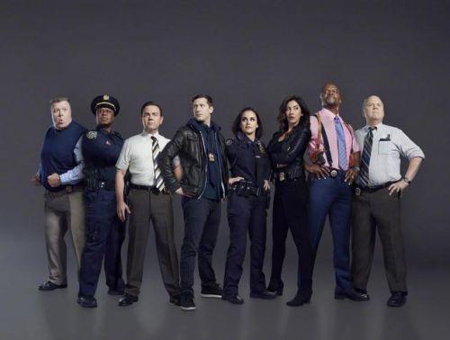 NBC宣布《神烦警探》结束 第八季是最后一集