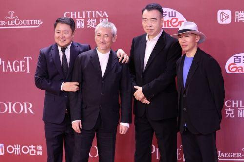 电影《中国医生》《长津湖》剧组亮相第24届上海电影节红毯