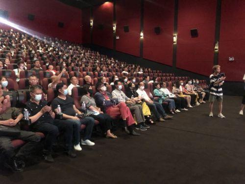 电影《为国而歌》举行观影会 聂耳母校三校联动走进影院