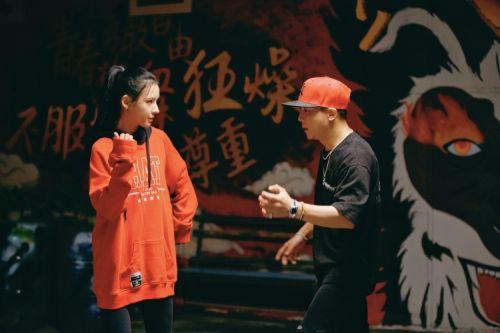 电影《七月的舞步》定档 张予曦黄小蕾演绎青春的羁绊