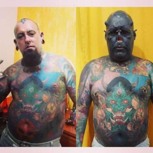 巴西纹身艺术家为接近《指环王》中兽人形象 削鼻分舌