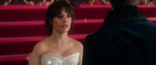 新《灰姑娘》真人电影公布正式预告 拉丁裔女星主演