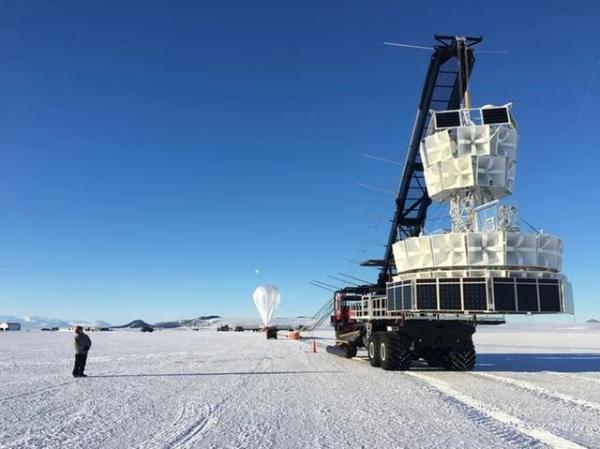 神秘来客!从南极冰层中出现的未知粒子,或将打破现代物理学的规则