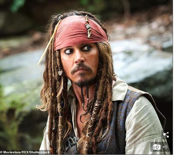 不舍!德普告别杰克船长 新版《加勒比海盗》由《死侍》编剧操刀