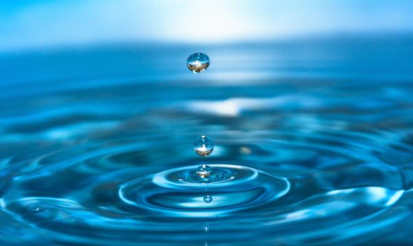 《高级光子学》:界面分子力调节小水滴中的激光作用