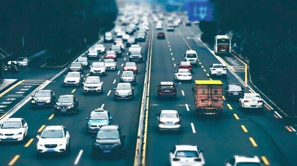 华为公开自动驾驶技术专利:利用人工智能感知可行驶区域 提高安全性