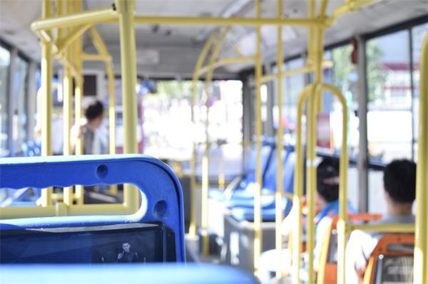 省内通用!山东60岁以上老人免费乘公交 凭有效证件即可用