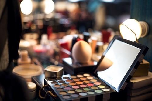 我国成为世界上第二大化妆品消费市场,网购跻身第一大销售渠道