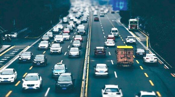OPPO申请2项自动驾驶相关专利 暴雨等恶劣条件下提醒驾驶员保证安全
