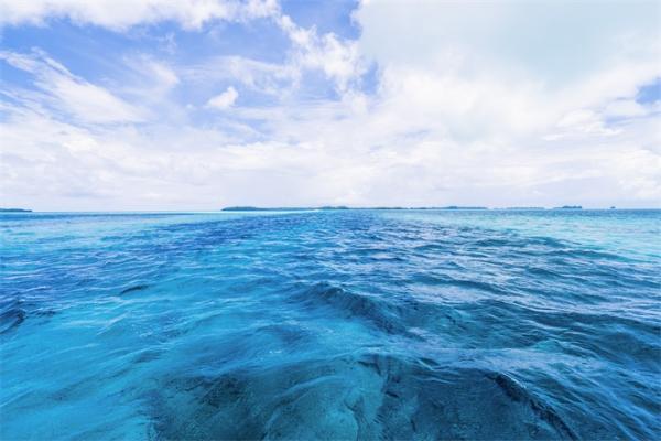 激动!我国首台水下无线光通信商用设备的成功测试 在50米距离内可达3兆位/秒