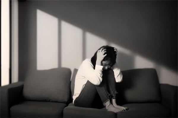 北京大学张勇教授揭示了抑郁症慢性应激诱导的神经机制