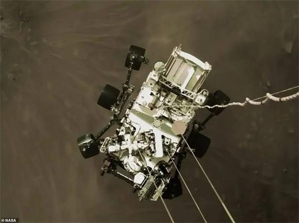 """精彩不断!NASA""""毅力""""号发回火星首批彩色照片,本周六还将发布重磅消息"""