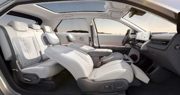 现代汽车IONIQ(艾尼氪)5全球首秀 未来将引入中国市场