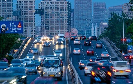 华为公开电动汽车相关专利,未来电动车或像手机一样能互相充电