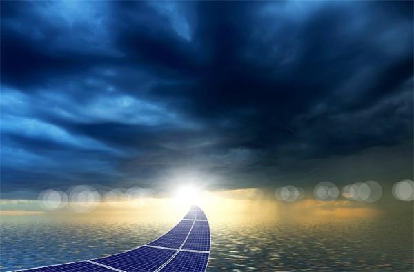 """特殊材料""""智能玻璃""""面世:可吸收全方向、多颜色的光并转化为电能"""