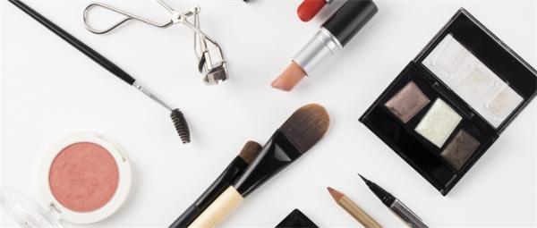 2021十大学习趋势曝光!学美妆男性增速超女性2倍,男士彩妆市场潜力巨大