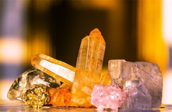 中国发现新的天然矿物!海塔铀矿被国际矿产协会正式认可