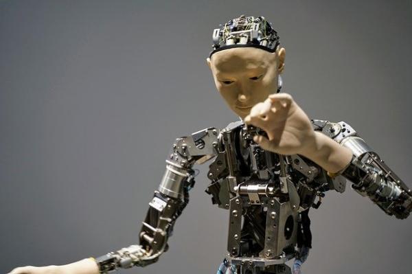 便宜又灵敏的生物机器人要来了?科学家成功为机器人装上蝗虫耳朵