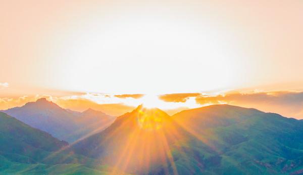 太阳底下可能发生大事!科学家证实了危险的太阳粒子的来源