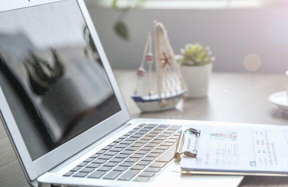 苹果公司最终决定为可折叠屏幕笔记本电脑增加20项新的专利