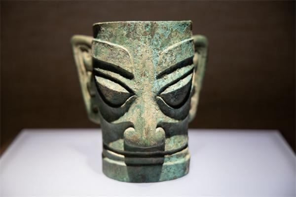 三星堆祭祀坑出土超120根象牙,距今已有3000多年