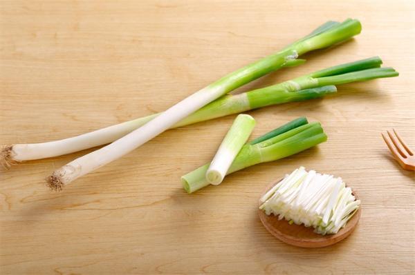 葱都吃不起了!韩国大葱涨至43元一公斤 同比增长超3倍