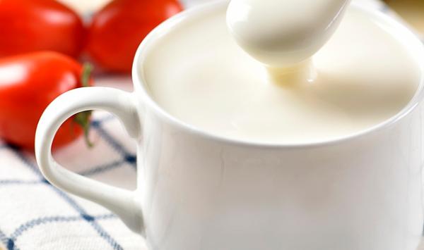 新研究:高血压难降?试试每天一杯酸奶吧!