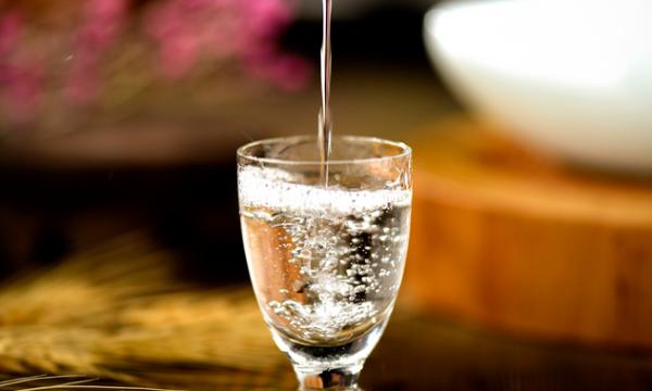 戒酒说难也不难,但可能增加患癌风险