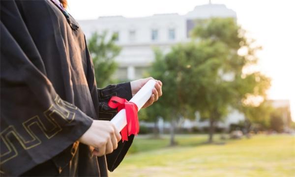 知识越多越困扰?近9成高等教育学生存在自我否定的精神问题