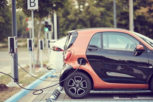几年后电动车充电速度将达到5倍 新的研究揭示了电池的重要损伤机制