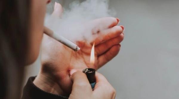 为什么从不吸烟的人也得肺癌?从不吸烟女性患肺癌风险是男性2倍!